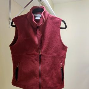 Burgandy Columbia fleece vest size medium